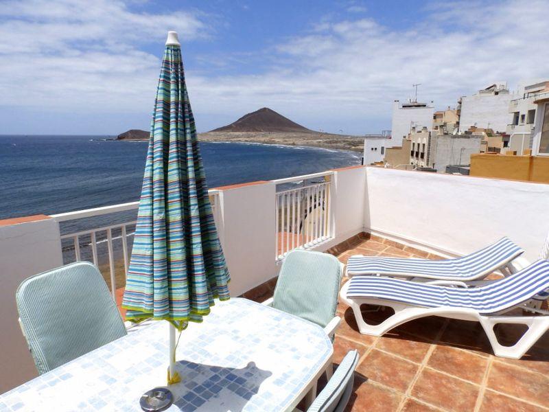Ático con terraza en primera línea de playa en el Medano