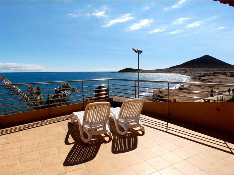 Duplex con amplia terraza en primera línea de playa