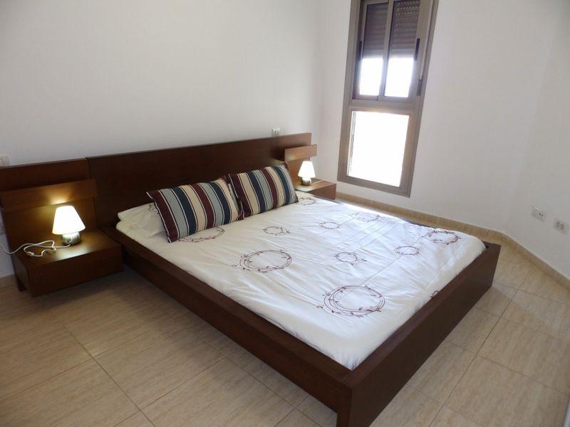 Nuevo apartamento de 2 hab. con terraza y vistas al mar